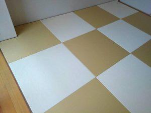 縁なし畳(黄金色と乳白色)
